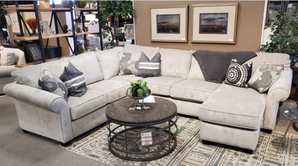 464 Chiloquin 2 PC Sectional