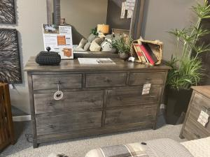 Platte River 7 Drawer Dresser