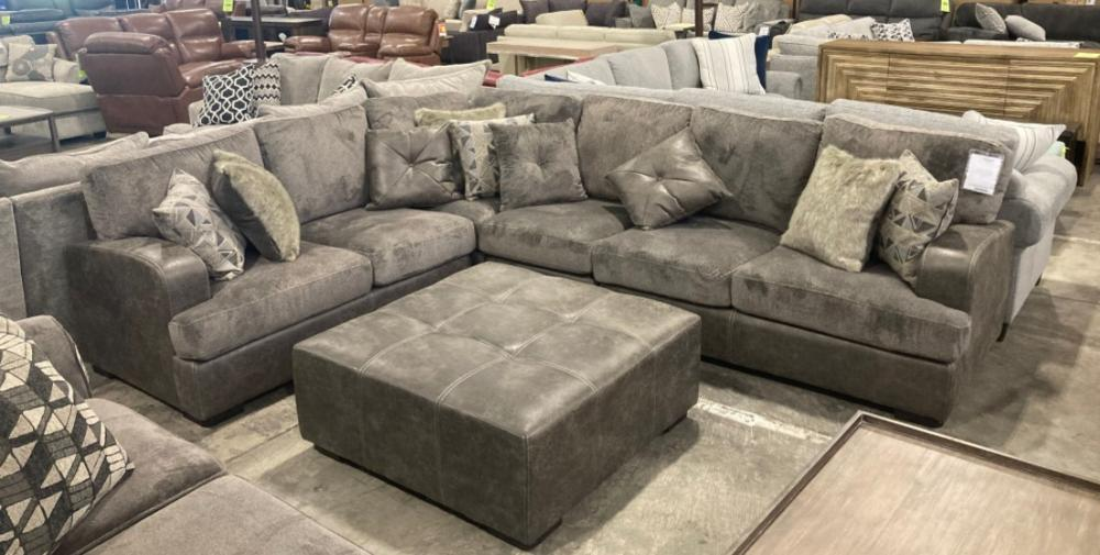 Emerald Home FurnishingsBerlin 4pc Sectional
