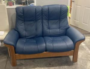 Windsor 2 Seat High Back Loveseat